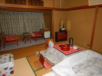 3角間温泉 高島屋旅館